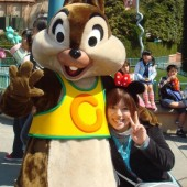 東京ディズニーランドはなぜ障害者割引がないのか